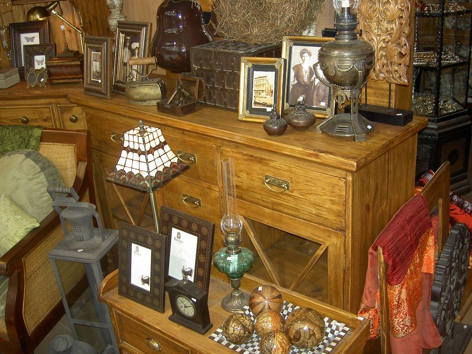 antiques-1568784_960_720